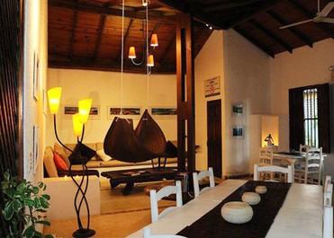 Posada la corsaria los roques caraibi aternum viaggi for Casa coloniale francese